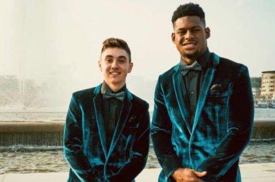 Steelers WR JuJu Smith-Schuster attends boy's prom