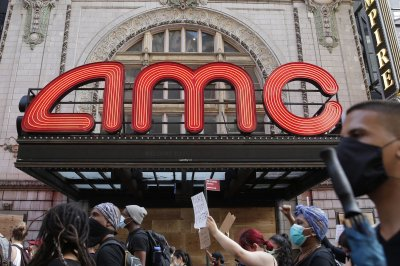 Some U.S. movie theaters plan to reopen in July