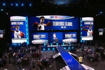 NBA pauses draft, honors late Kentucky basketball star Terrence Clarke
