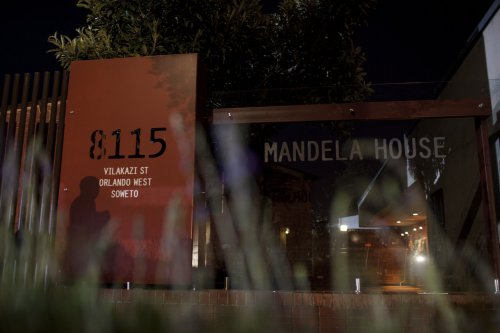 Mandela was a 'terrorist,' says Italian official