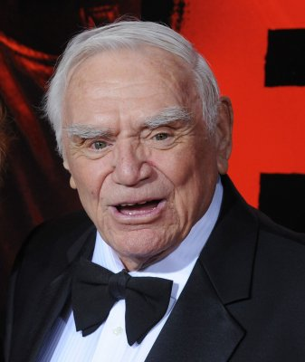 Conway to present SAG Award to Borgnine