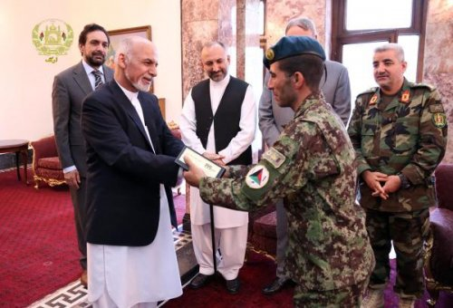 Afghan soldier lauded for thwarting Parliament attack