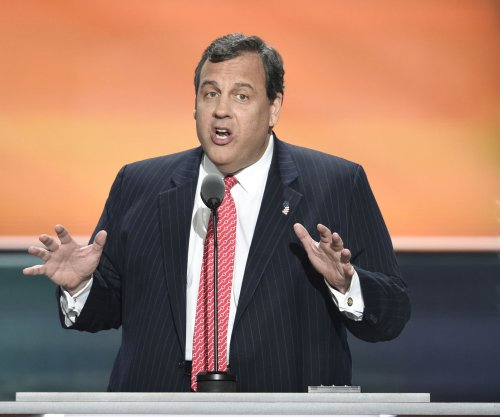 N.J. Gov. Chris Christie goes to beach after closing them to public