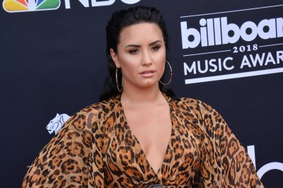 Demi Lovato buys herself flowers after reported split