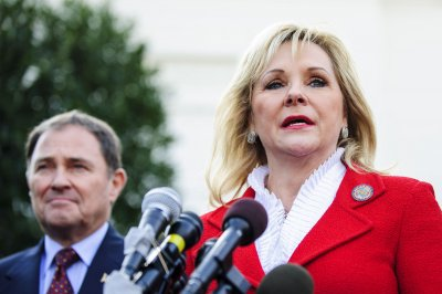 Oklahoma governor promises 'thorough' review of apparently botched execution