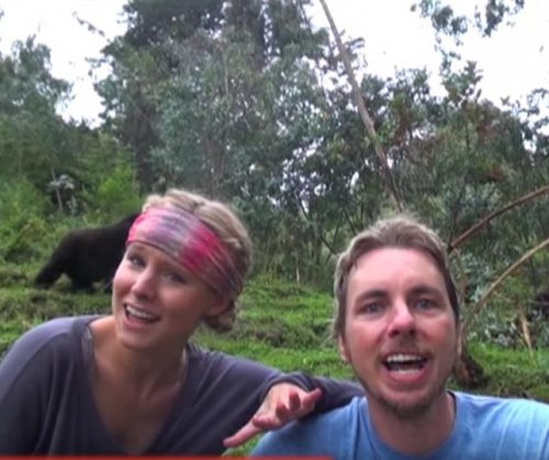 Kristen Bell, Dax Shepard pay tribute to Toto with 'Africa' vacation video