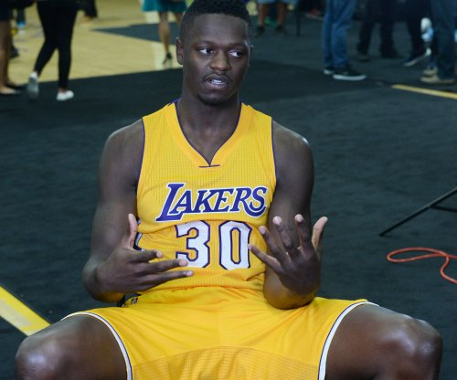 Los Angeles Lakers' Julius Randle fined for making obscene gesture