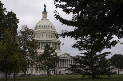 Senate overwhelmingly passes opioid bill