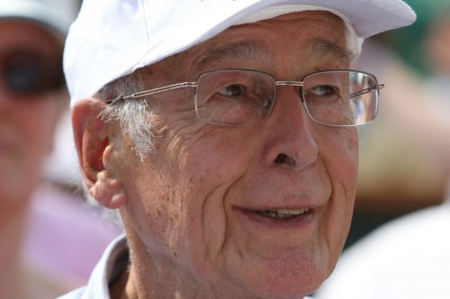 Former French President Valery Giscard d'Estaing dies of COVID-19