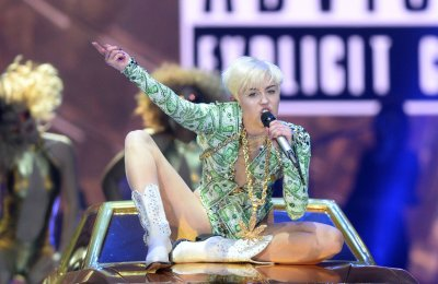 Miley Cyrus, Ricky Martin to perform at the Billboard Music Awards