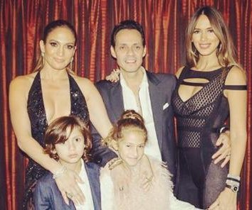 Jennifer Lopez surprises ex-husband Marc Anthony in concert