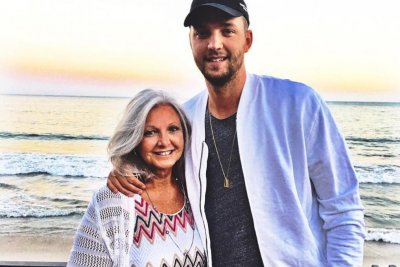 Chandler Parsons' mom gives coaching advice to Memphis Grizzlies