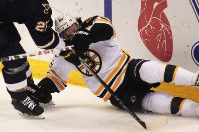 Boston Bruins win second straight under Bruce Cassidy