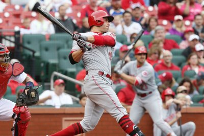 Joey Votto leads Cincinnati Reds past New York Yankees