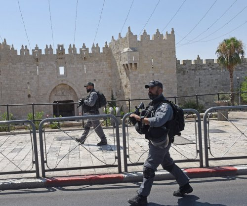 Israel arrests five Palestinians suspected of imminent attack