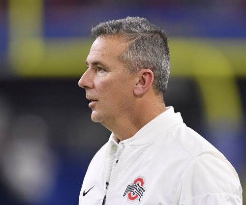 Ohio State's Meyer up for two-year contract extension