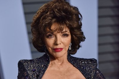 Look:-Joan-Collins-gives-thanks-after-'terrifying'-apartment-fire