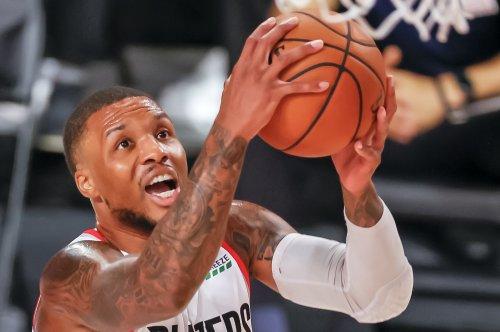 Lillard lifts Blazers into playoff picture with 61 vs. Mavericks