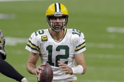 Packers legend Brett Favre thinks Aaron Rodgers could sit out 2021