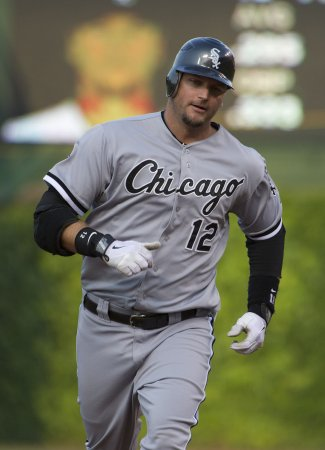 League OKs Pierzynski deal with Rangers