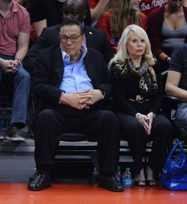 LA Clippers turn shirts inside-out in apparent protest of owner Donald Sterling