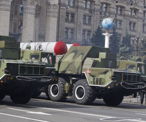 Russia lifts ban on sending S-300 missile systems to Iran