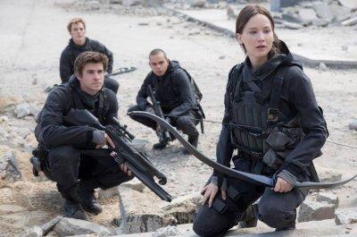 Jennifer Lawrence shares first 'Mockingjay - Part 2' photo