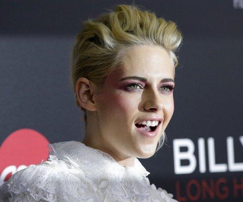 Kristen Stewart says her 'Twilight' years were 'uncomfortable'