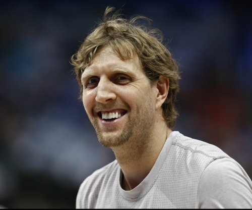 Dirk Nowitzki hits 30,000 points, leads Dallas Mavericks past Los Angeles Lakers