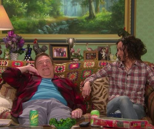 'Roseanne' stars John Goodman, Sara Gilbert reunite