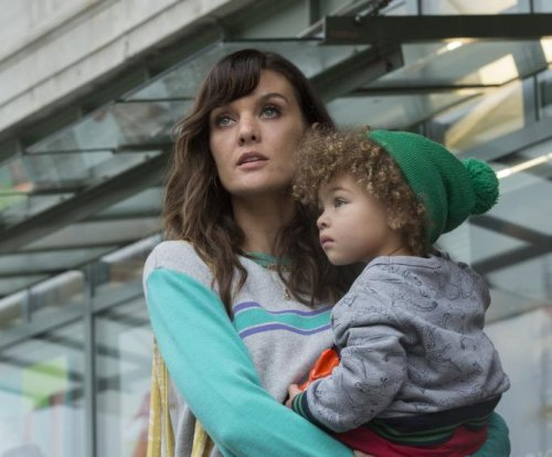 Showtime orders second season of 'SMILF'