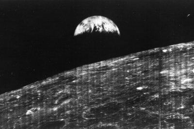On This Day: Lunar Orbiter 1 begins orbit of moon