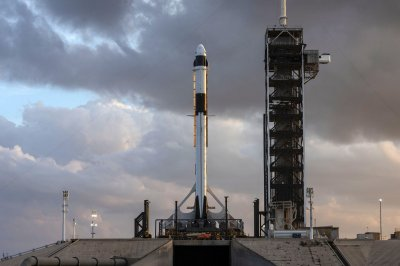 NASA, SpaceX finish Crew Dragon review; March 2 launch date still targeted