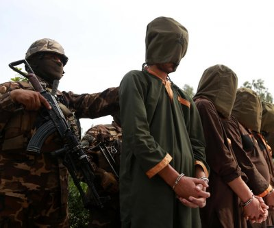 Afghan gov't will release 100 Taliban prisoners to restart peace talks