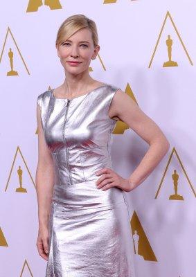 Cate Blanchett dedicates best actress BAFTA to Philip Seymour Hoffman