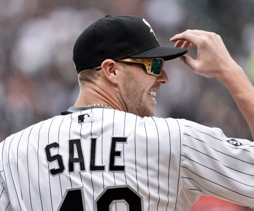 Cleveland Indians take advantage of error to beat Chris Sale