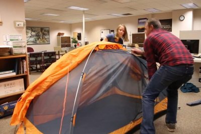 Wyoming couple captures record for setting up tent