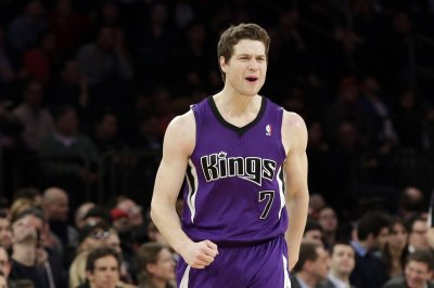Golden State Warriors to sign veteran Jimmer Fredette