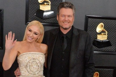 Blake Shelton, Gwen Stefani sing 'Nobody But You' on 'Tonight Show'