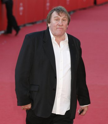 Depardieu misses court date for DWI charge
