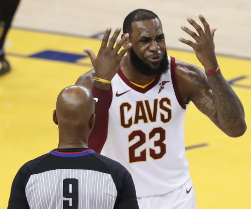 NBA players exchange ideas about LeBron James' next team