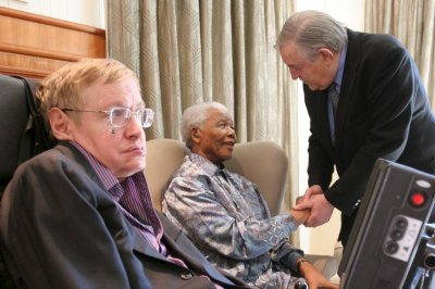 Former apartheid official who later backed Mandela dies at 86