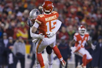 Chiefs say no more basketball for QB Patrick Mahomes