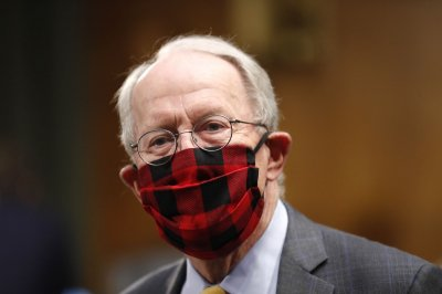 Sen. Lamar Alexander self-quarantines after possible COVID-19 exposure