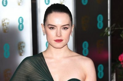 Daisy Ridley says 'Star Wars' toyed with Rey, Obi-Wan connection