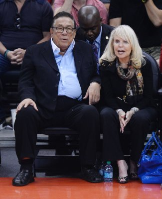 Donald Sterling backs out of $2 billion Clippers deal, will proceed with lawsuit