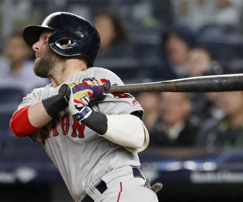 Boston Red Sox 2B Dustin Pedroia undergoes knee surgery