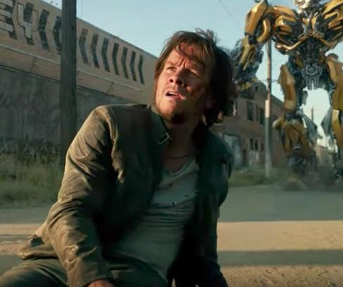Alien dinosaur wreaks havoc in latest 'Transformers: The Last Knight' trailer