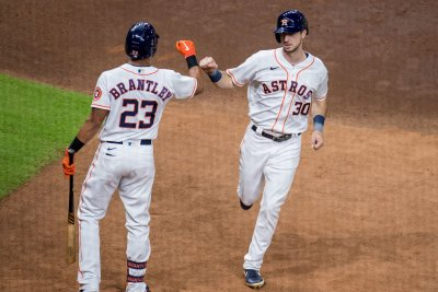 Houston Astros sweep Minnesota Twins to advance to ALDS