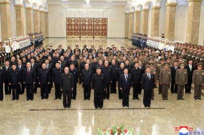 Slimmed-down Kim Jong Un makes appearance at mausoleum